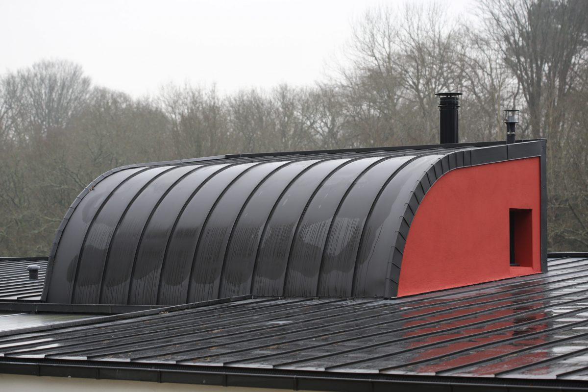Couverture zinguerie drugeon couverture morbihan for Toiture zinc joint debout